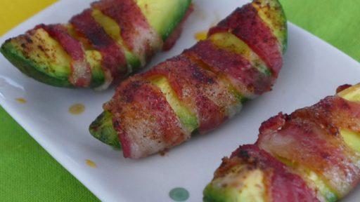 aguacate envuelto en bacon